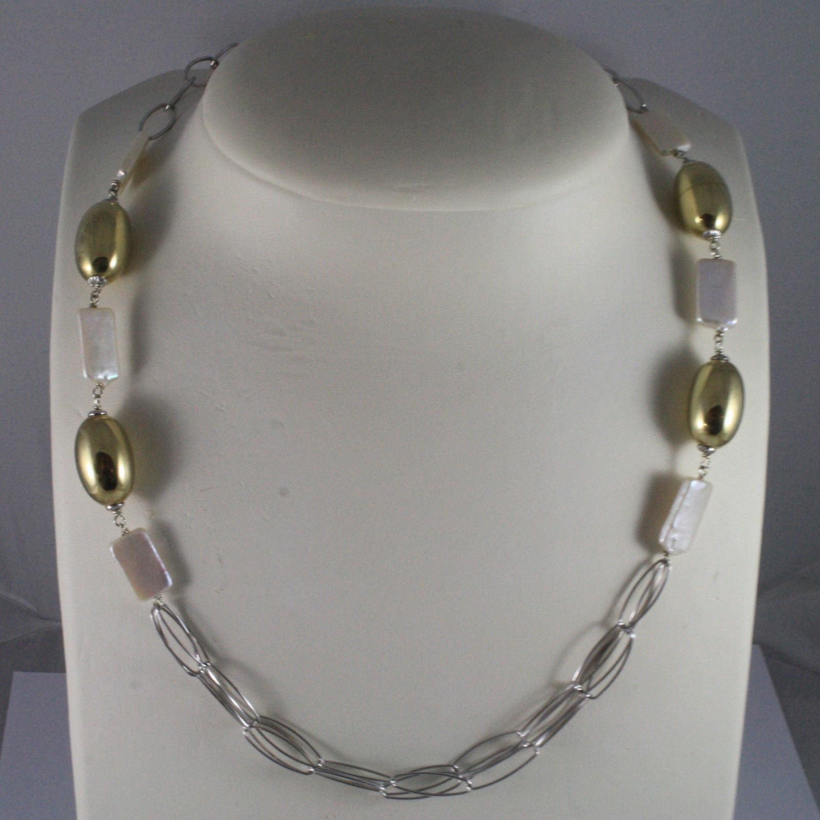 .925 SILVER RHODIUM NECKLACE WITH RECTANGULAR WHITE PEARLS AND GOLDEN OVALS