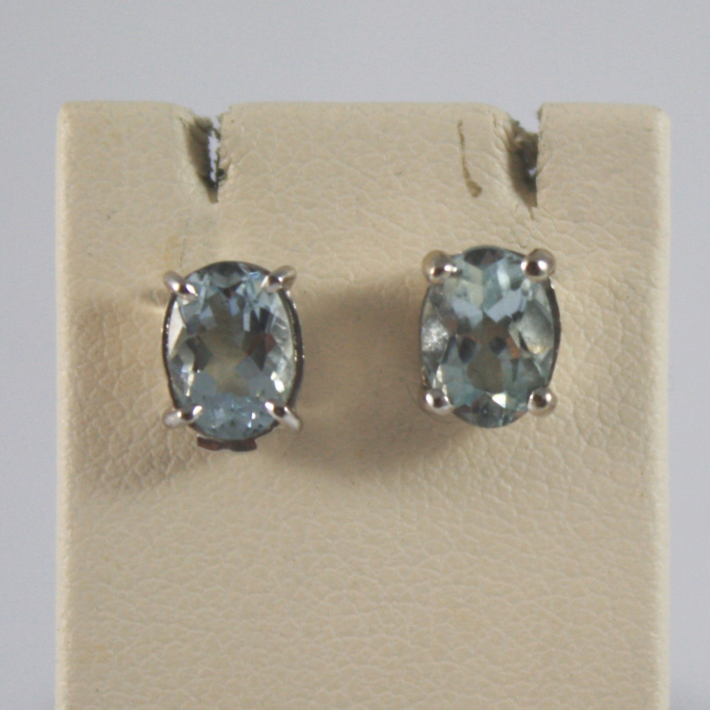SOLID 18K WHITE GOLD EARRINGS, WITH AQUAMARINE, OVAL CUT, 1.40 CARATS