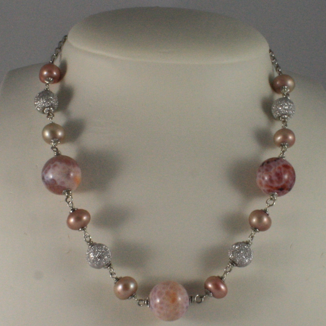 .925 SILVER RHODIUM NECKLACE WITH PINK PEARLS, PINK AGATE AND SILVER SPHERES