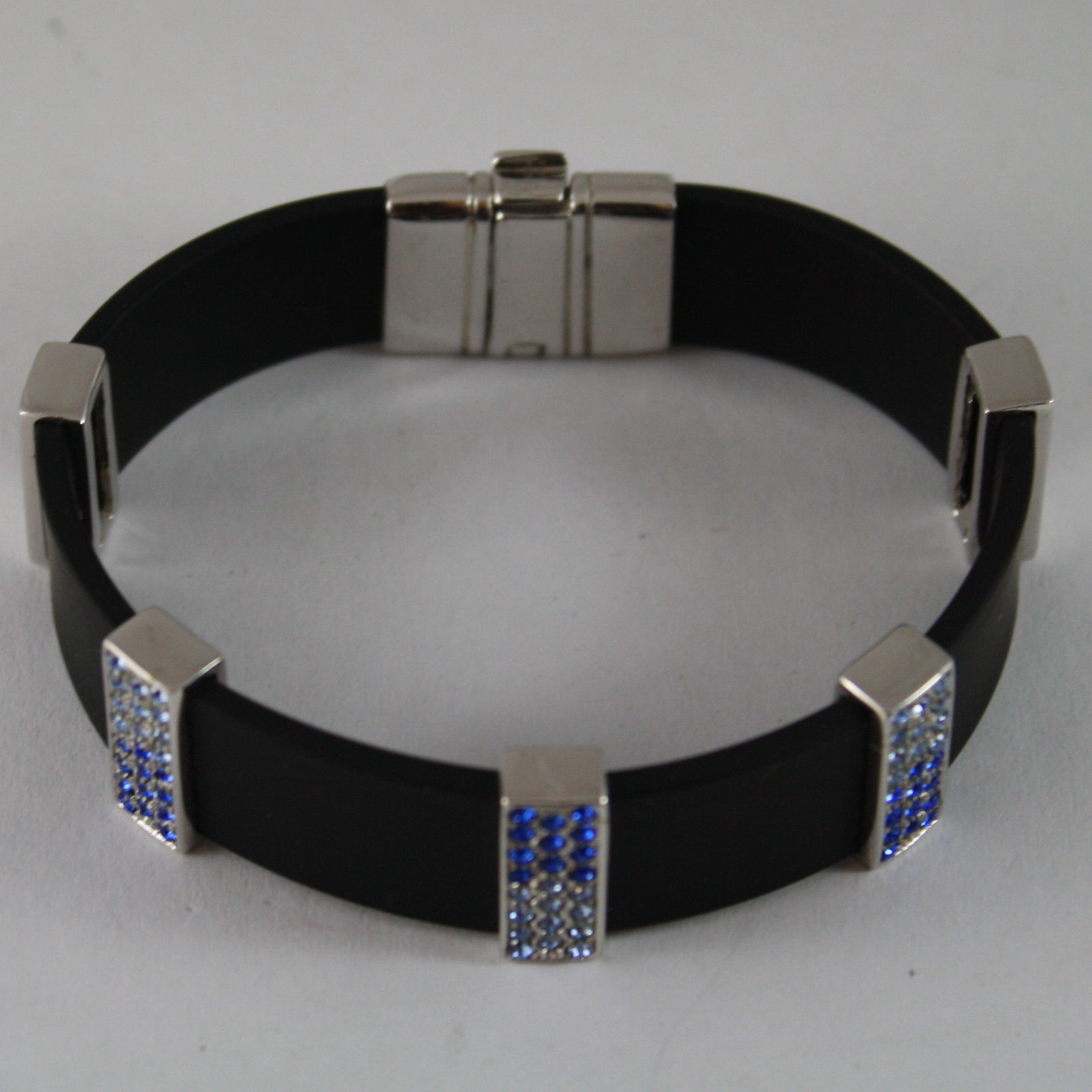 .925 RHODIUM SILVER BRACELET WITH RUBBER AND RECTANGLES WITH BLUE CRYSTALS