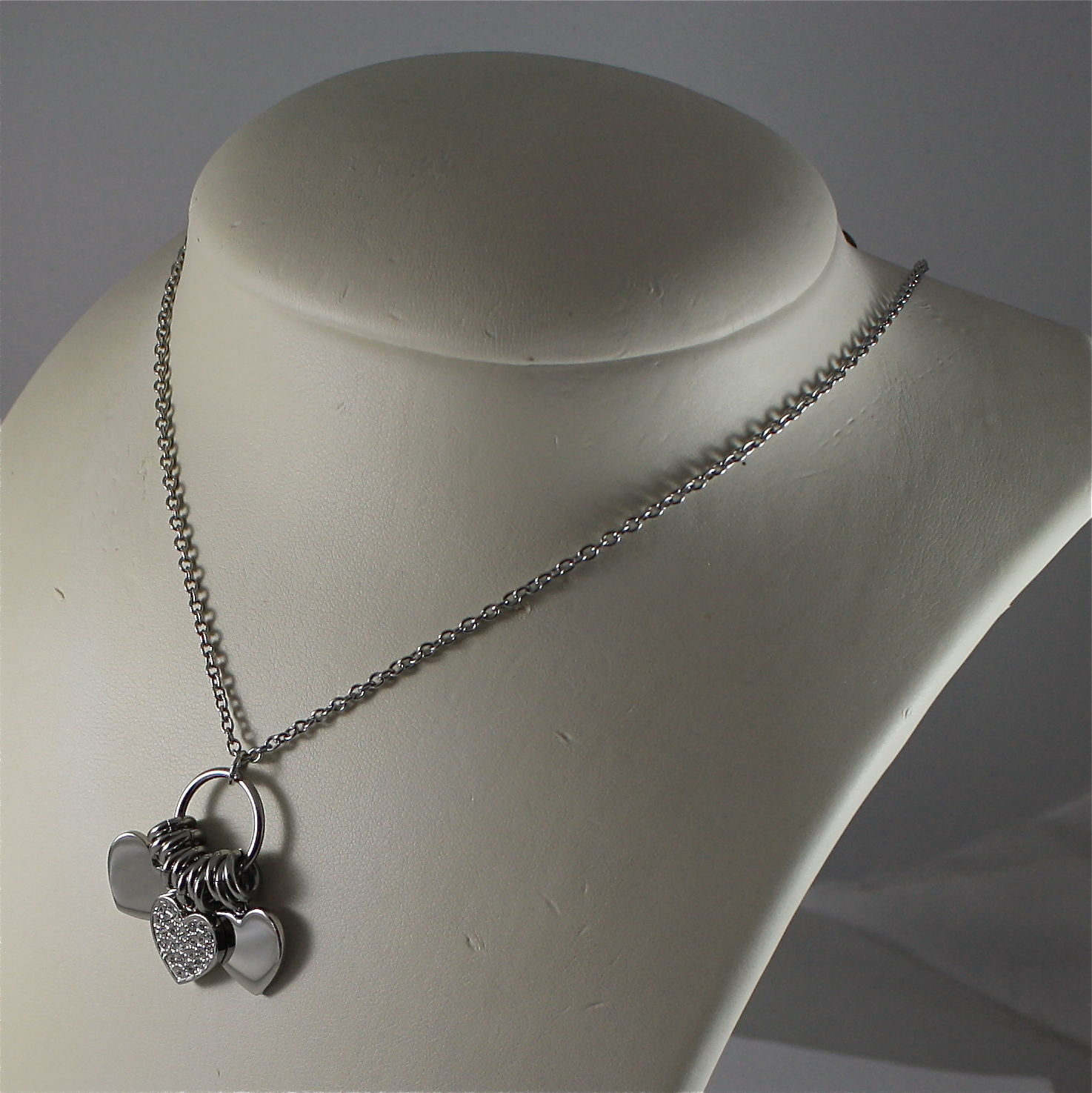 S'AGAPO' NECKLACE, 316L STEEL, TRIPLE HEART PENDANT, FACETED CRYSTAL.