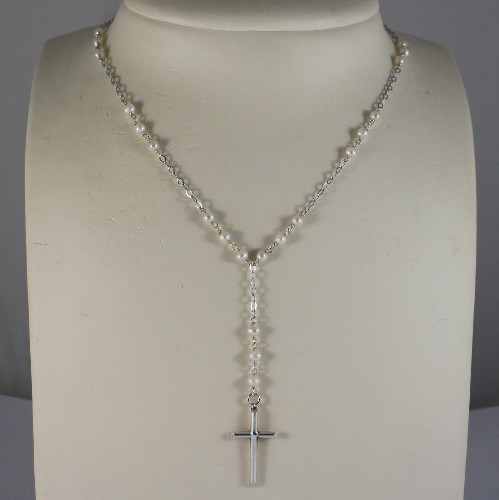 .925 RHODIUM NECKLACE WITH SMALL WHITE PEARLS AND CROSS