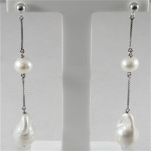 18K WHITE GOLD PENDANT EARRINGS WITH ROUND AND BAROQUE DROP PEARL, MADE IN ITALY