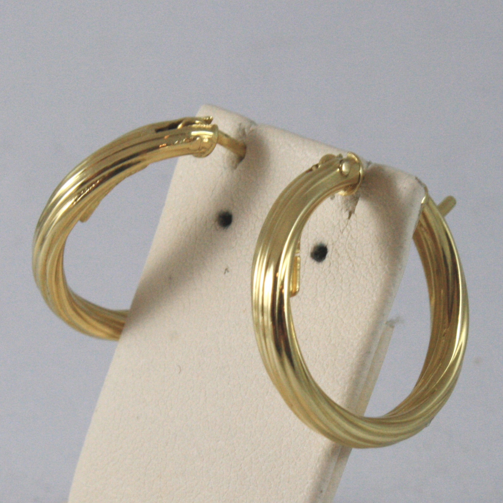 SOLID 18KT. YELLOW GOLD CIRCLE EARRINGS,STRIPED, DIAMETER 0,87 IN MADE IN ITALY.