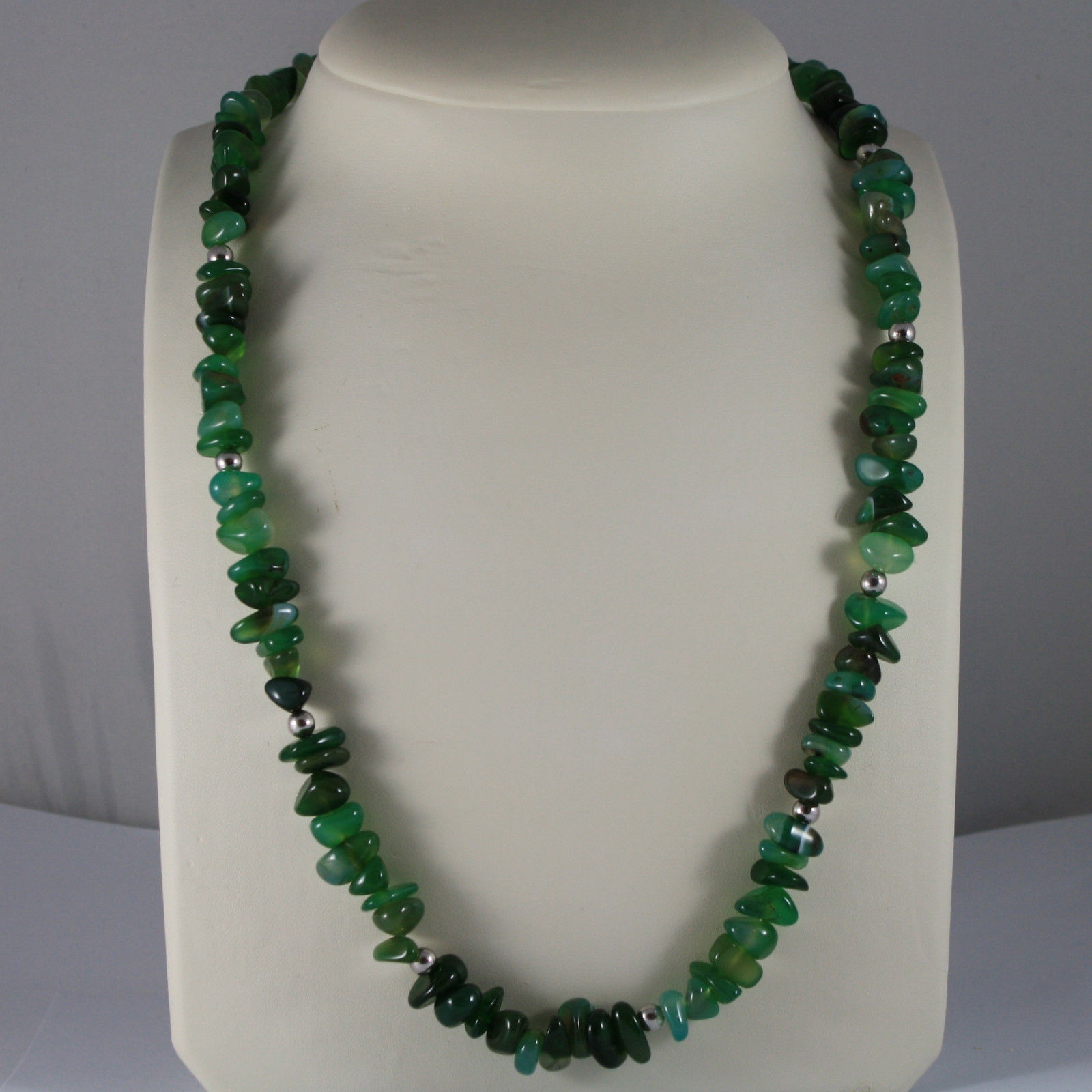 .925 RHODIUM SILVER LONG NECKLACE WITH GREEN JADE AND CLOSING  IN SILVER