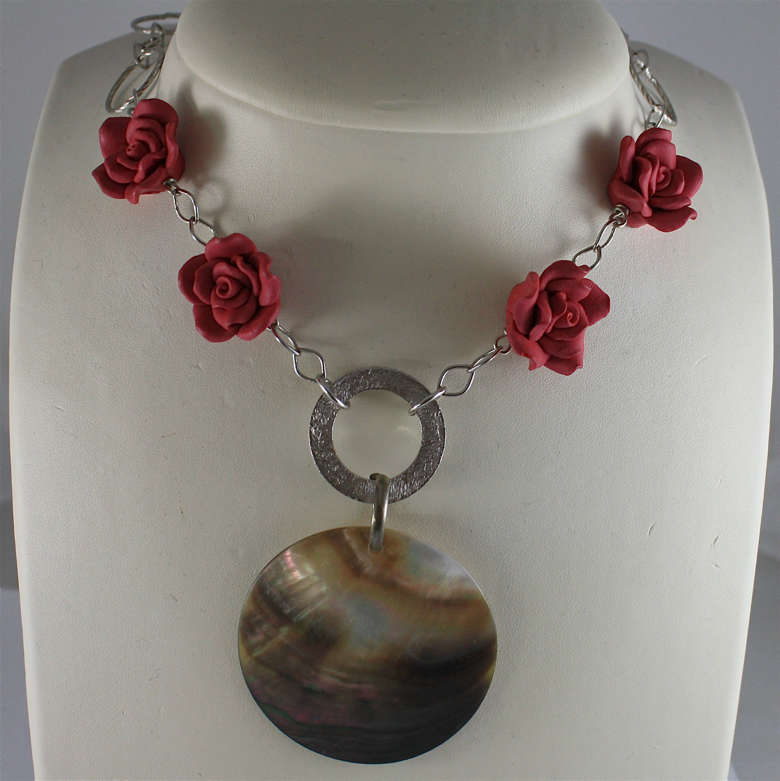 ".925 SILVER RHODIUM NECKLACE, RED RESIN ROSES, BIG ""MOTHER OF PEARL"" PENDANT."
