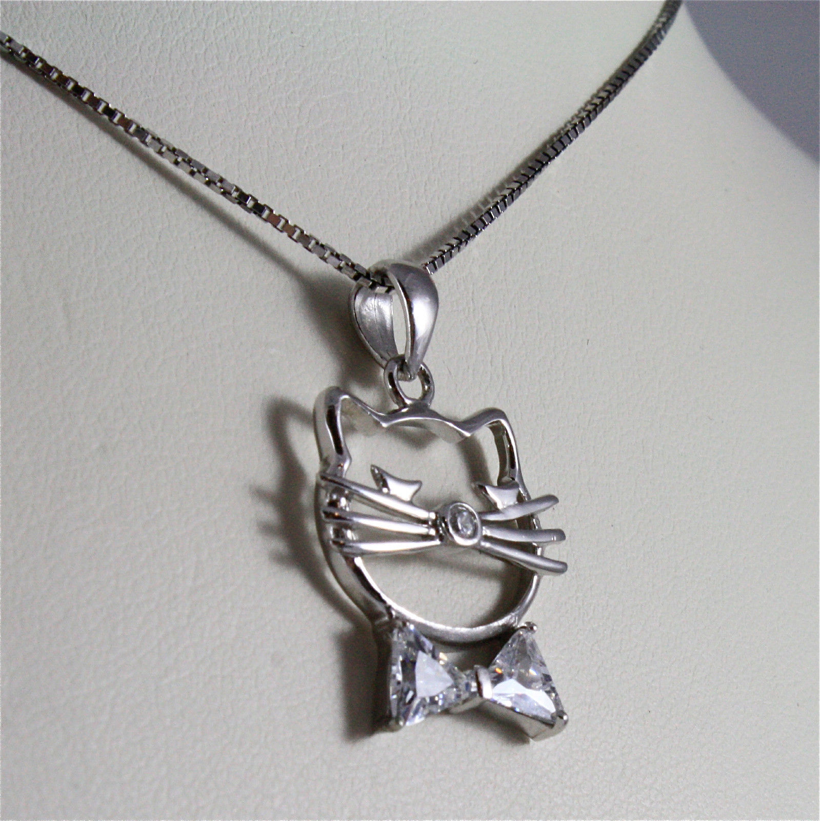 .925 RHODIUM SILVER NECKLACE, STYLIZED KITTEN HEAD, CAT, FACETED ZIRCONIA
