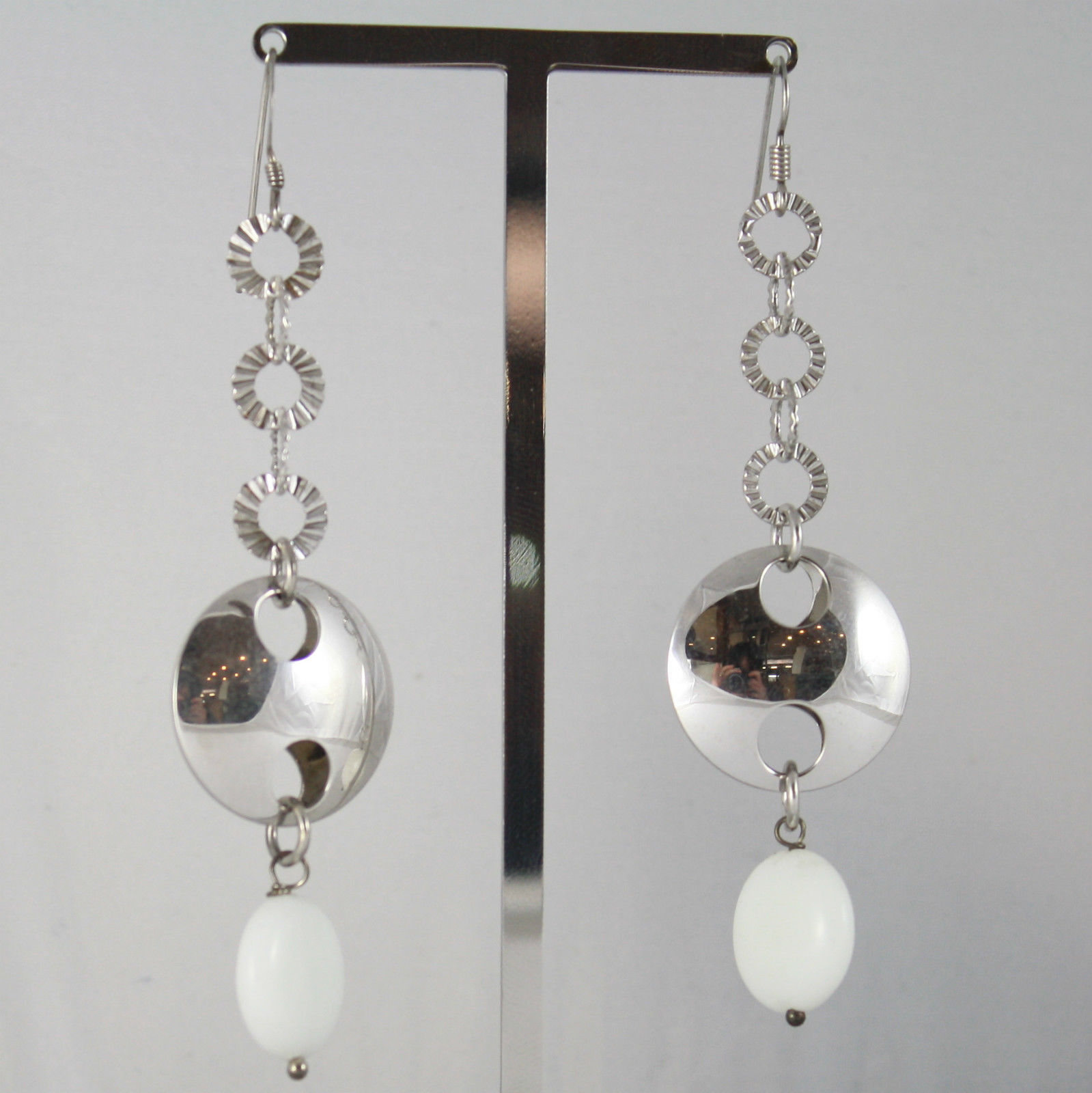 925 SILVER RHODIUM PENDANT EARRINGS WITH DISC WHITE AGATE