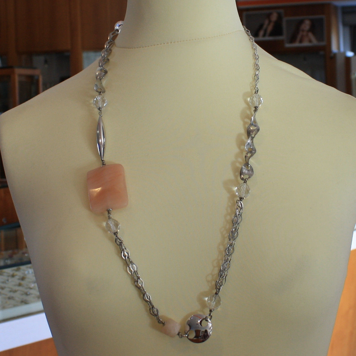 .925 SILVER RHODIUM NECKLACE WITH PINK JADE AND TRANSPARENT CRISTALS