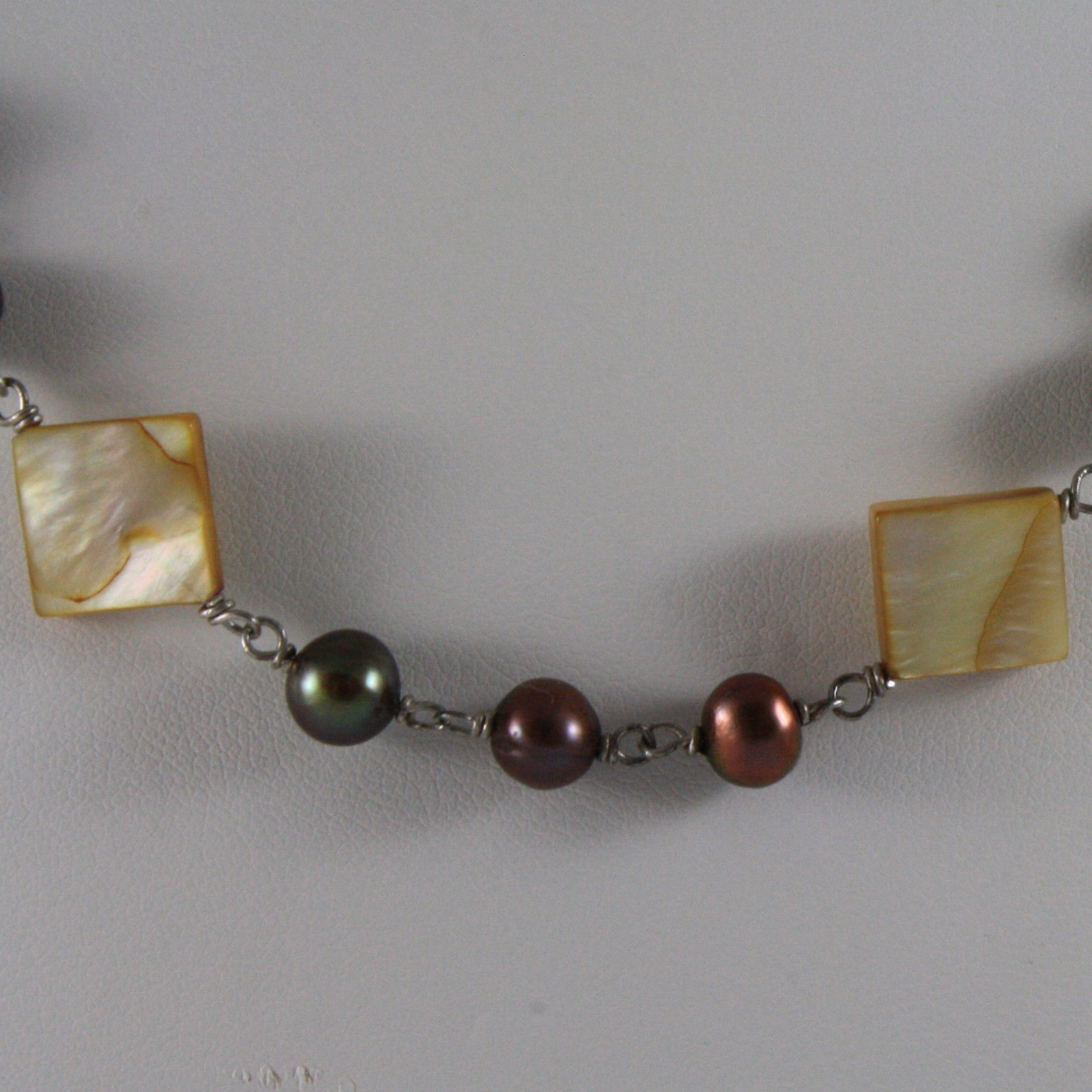 .925 SILVER RHODIUM NECKLACE WITH BROWN PEARLS AND YELLOW MOTHER OF PEARL