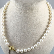 NECKLACE WITH WHITE PEARLS DIAMETER .33 In AND 18K 750 YELLOW GOLD CLOSURE