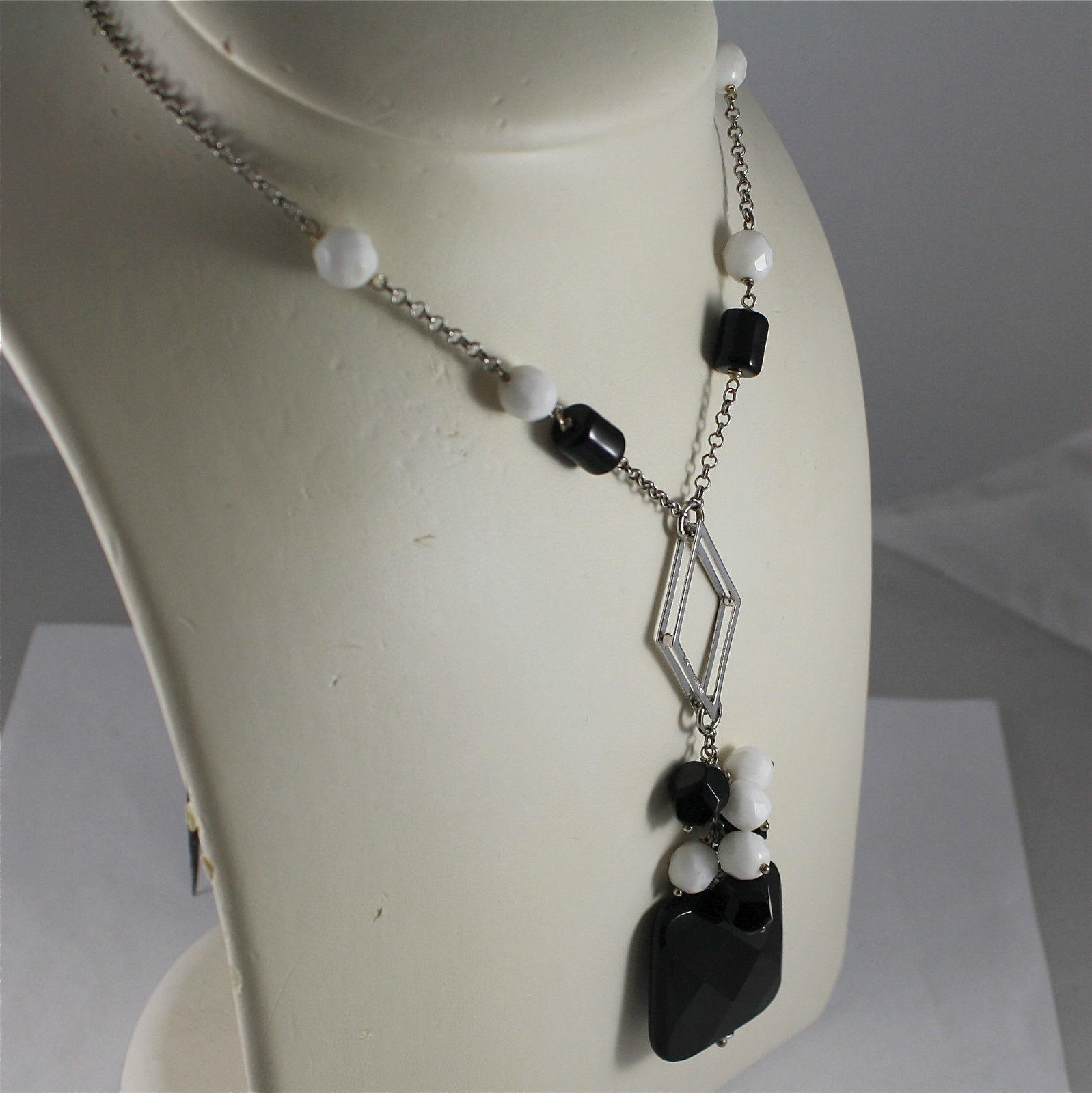 .925 RHODIUM SILVER NECKLACE, BLACK ONYX, WHITE AGATE, ONYX CENTRAL SQUARE.