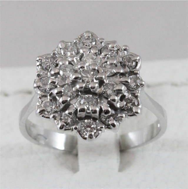 18K 750 WHITE GOLD RING WITH DIAMONDS FLOWER, MADE IN ITALY