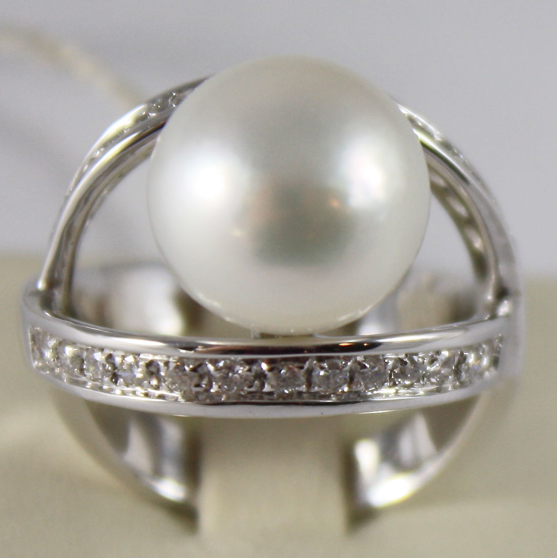 AMAZING SOLID 18K WHITE GOLD RING DIAMOND AND AUSTRALIAN PEARL DIAMETER 1.2 CM
