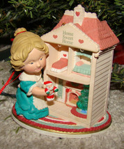 Dollhouse Dreams Ornament (Hallmark QLX737-2) 1993, Magic (Fireplace Flickers) - $28.22