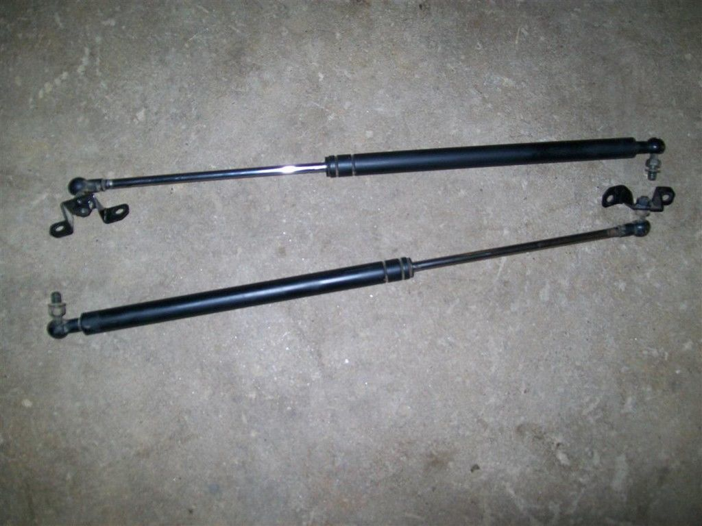 Primary image for 90-93 ? 91 Geo Storm Wagon Hatch Strut Struts PAIR