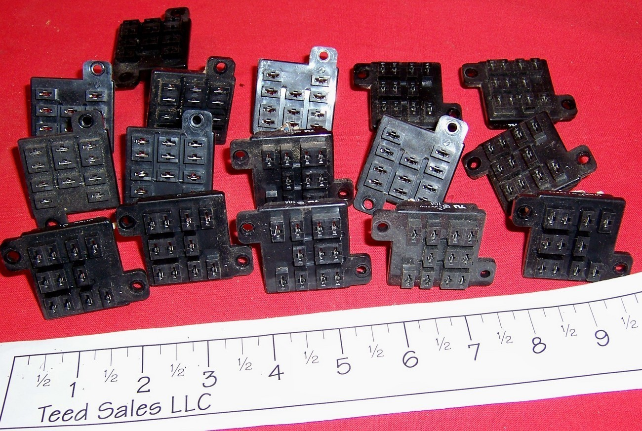 16 used Relay Socket 11 blade