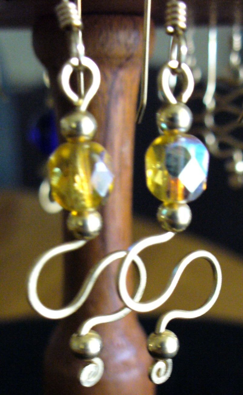 Wire sculpture Amber Crystal 12/20 GF Earrings