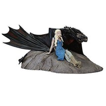 Dark Horse Deluxe JUL150116 Game of Thrones: Daenerys and Drogon Statue  - €84,01 EUR