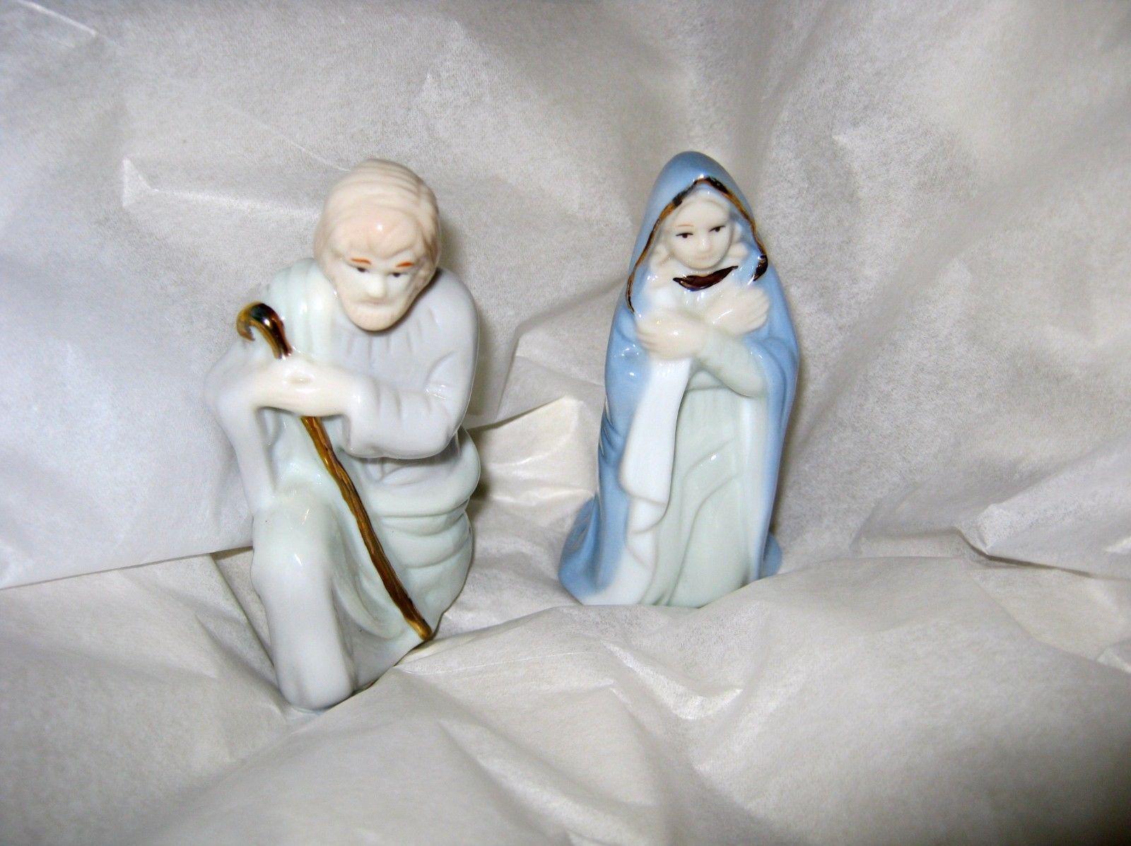 "Russ Nativity Mary & Joseph ceramic figurines 3.5""  gold accents #15502 - $15.83"