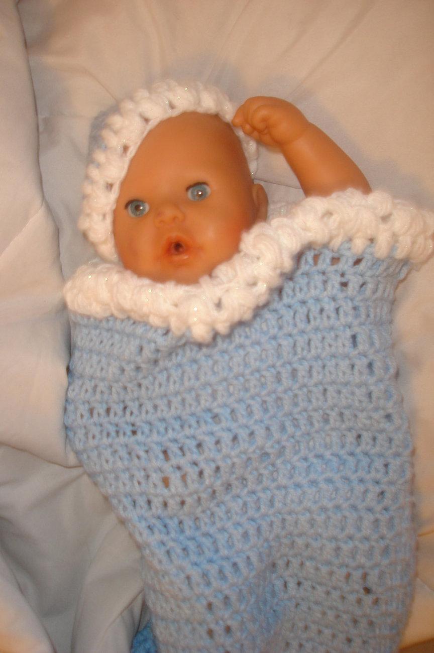 Hand crocheted baby cocoon & beanie/cap/hat set