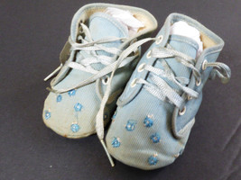 VTG PAIR OF BLUE BABY SHOES BOOTIES WITH FLOWER EMBROIDERY & LACES - $16.63