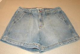 Tommy HILFIGER cotton denim blue jeans SHORTS Size M 8 zip front side pockets - $15.99