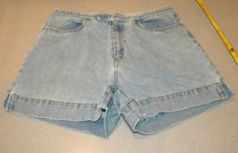 Tommy HILFIGER cotton denim blue jeans SHORTS Size L 12 zip front side pockets - $10.99
