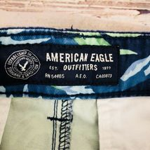 American Eagle Men's Floral Shorts - Size 32 image 3