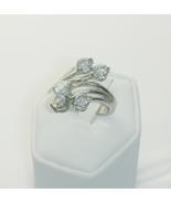 Modern Floating Stone Fashion Ring Ladies Size 7 - $25.00