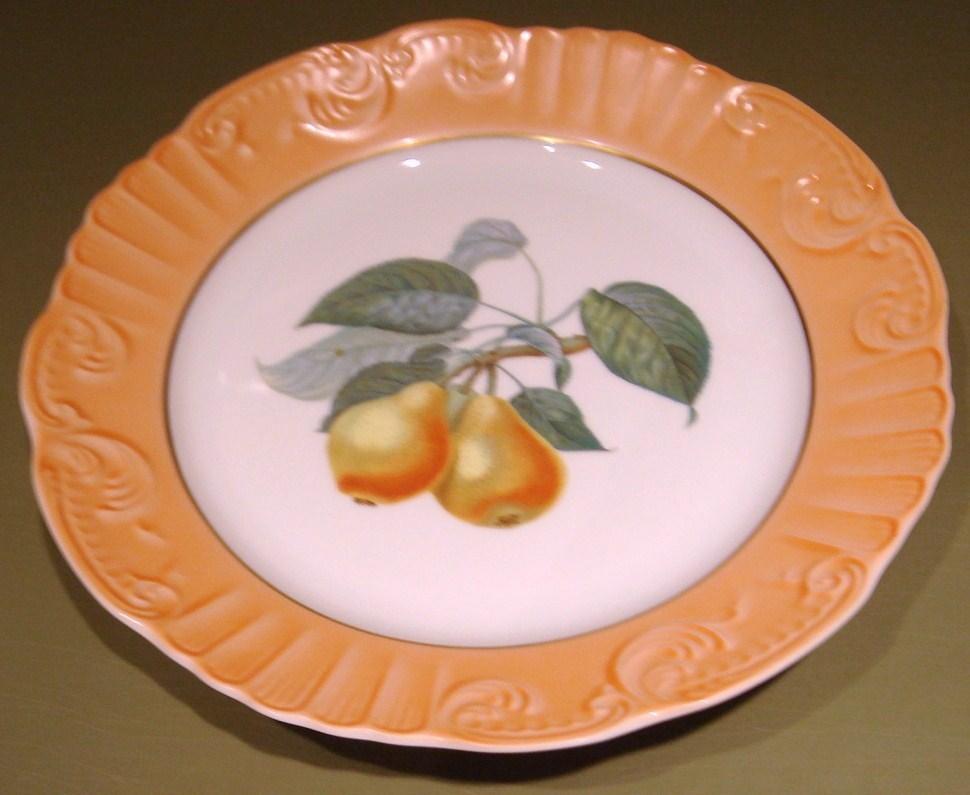 Mottahedeh pears dinner plate