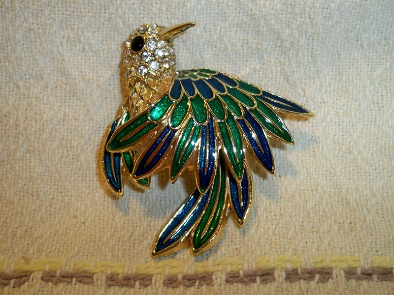 Vintage hummingbird enameled brooch black1