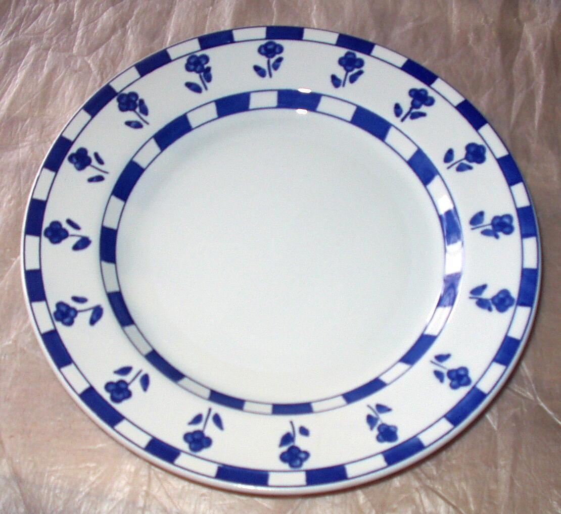 Ceramica Quadrifoglio Dinner Plate Made In Italy Blue Flowers Blue and White Squ & Ceramica Quadrifoglio Dinner Plate Made In and 50 similar items
