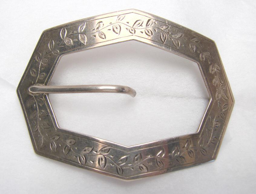 VICTORIAN ENGRAVED STERLING BUCKLE PIN