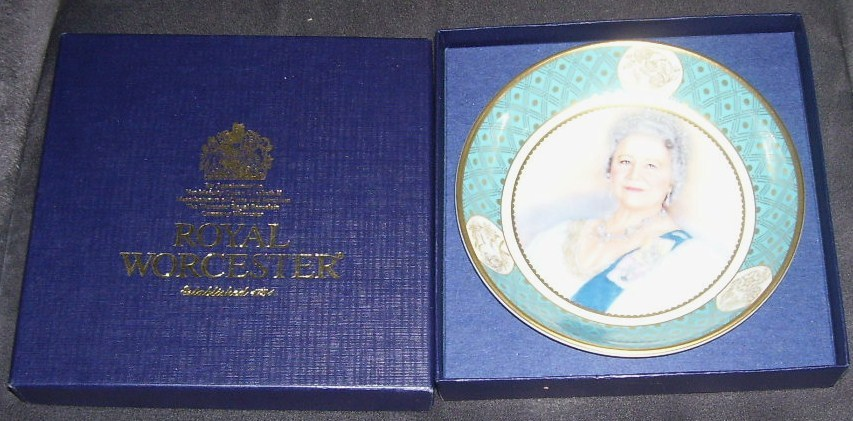 Royal worcester queen mother plate