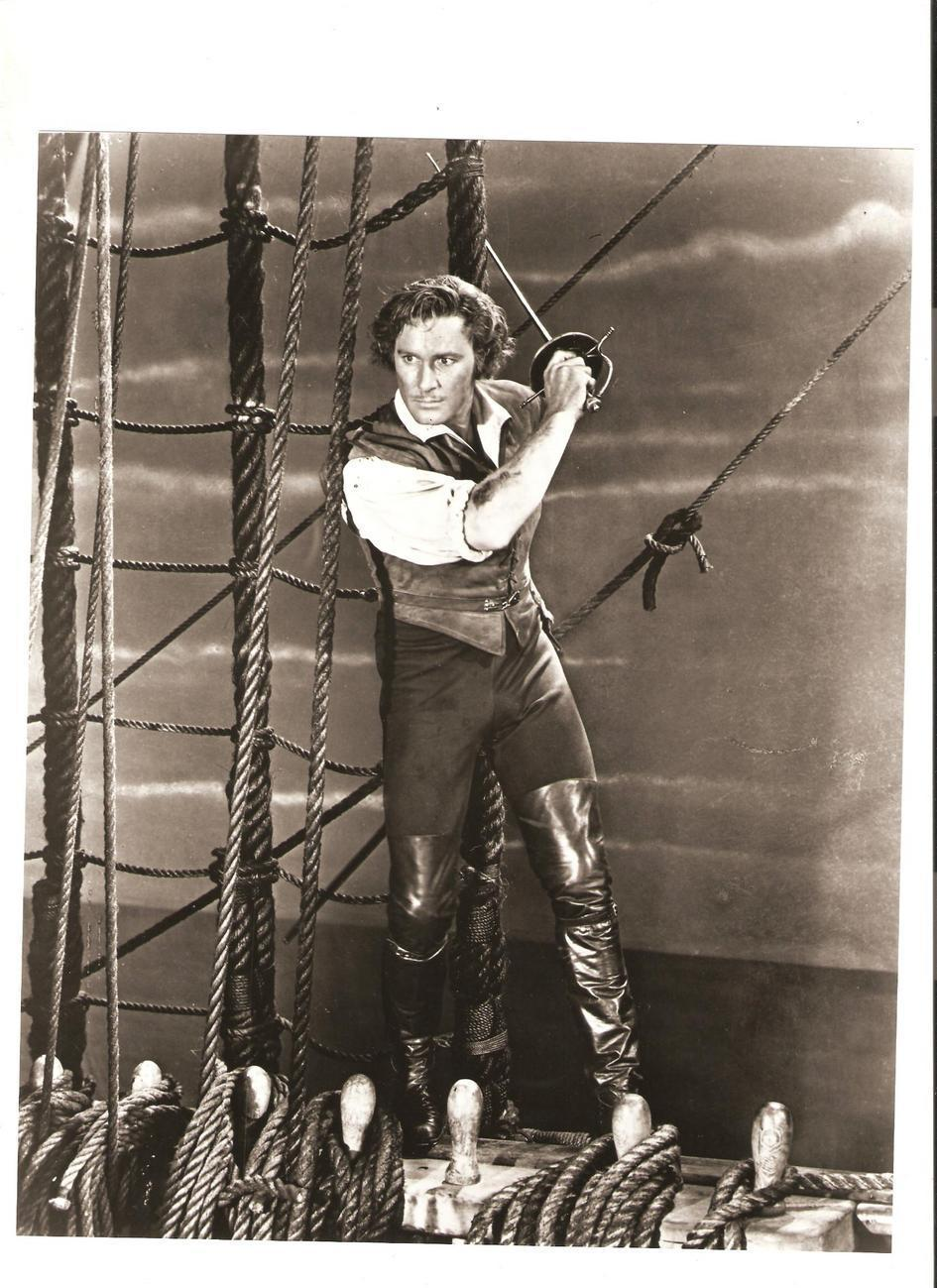 Errol Flynn 8x10 B&W Photo