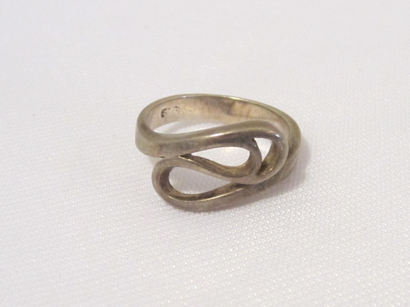 Vintage Sterling Silver Swirly Ring Size 5.5