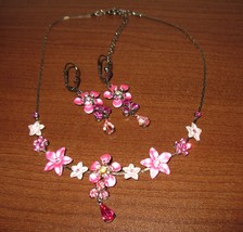 Lovely Pink Crystal Flower Necklace and Dangle Earring Set 17 in New! #K19 - $15.99
