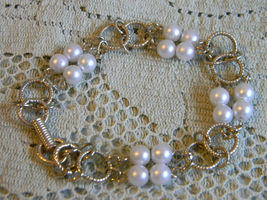 Vintage Signed GOLDETTE NY - Goldtone Round LINK and Faux PEARLS BRACELE... - $45.00