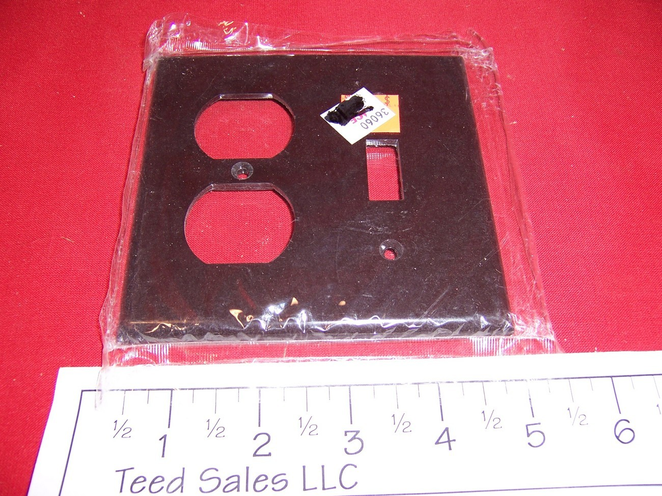 2 Gang Brown Wall Plate 1 Switch/1 Duplex Receptacle