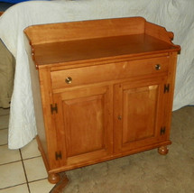 Maple Server made by Willett  (DR65) - $699.00