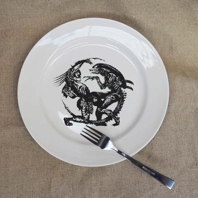 Avp Aliens Vs Predator 10 Inch Porcelain Ceramic Plate