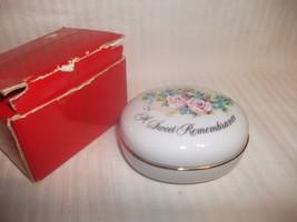 1982 Vintage AVON Sweet Remembrance Trinket Box - $24.99