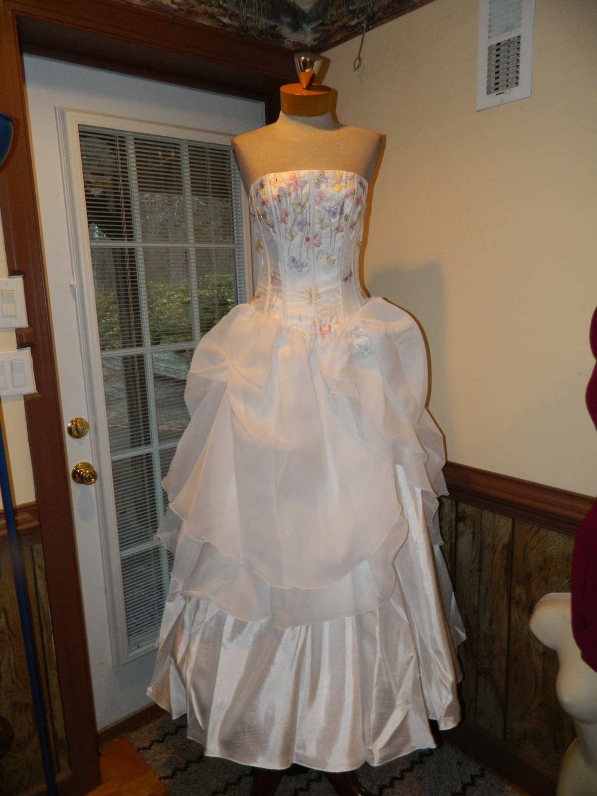 Amy Lee size 6 Formal Quinceanera Prom Pageant Cottilion dress New with tags