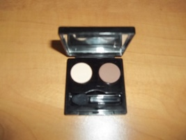 Elisabeth Arden Eyeshadow Duo Color: Beige and Brown - $4.99