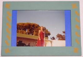 HELEN REDDY VINTAGE 1980 HELEN REDDY CANDID PHOTO - $22.99