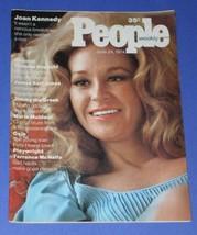 JOAN KENNEDY PEOPLE WEEKLY MAGAZINE VINTAGE 1974 - $34.99