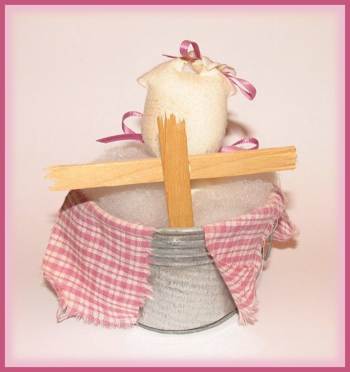Hawg Wash Piggy in Her Wash Tub White and Pink Gingham HM Decor ADORABLE! New