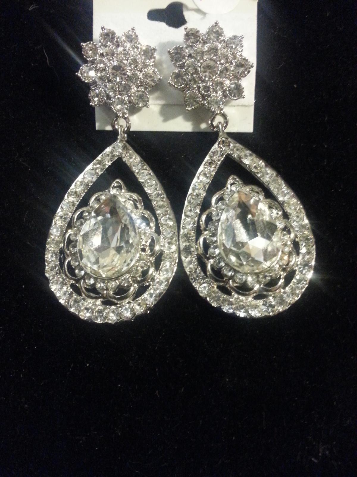 Silver Clear Swarovski Crystal Teardrop Pageant Prom Earrings