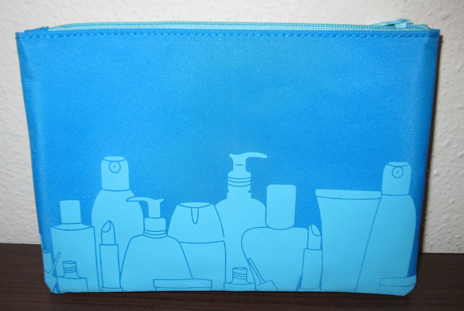 Primary image for Ipsy Blue Makeup Bag 7 x 5 in New! #T971